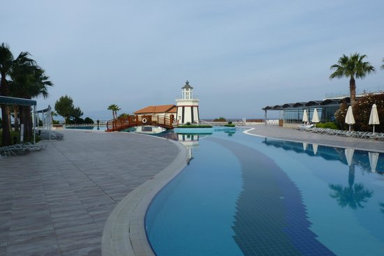 Sealight Resort Hotel: Les piscines