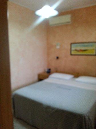 Villaggio Il Gabbiano: camera letto