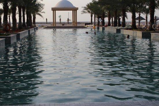 Hilton Ras Al Khaimah Resort & Spa: salt water main pool
