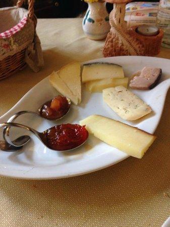 Ristorante Al Pozzo Etrusco da Giovanni : Formaggi e marmellate