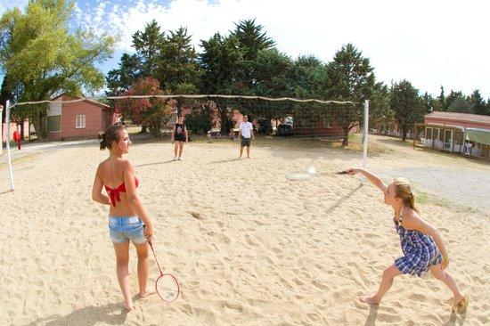 Vacances Popinns - Les Abricotiers : Terrain de volley/badminton