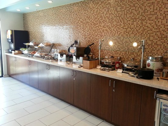 SpringHill Suites Las Vegas Henderson : Complimentary Breakfast area