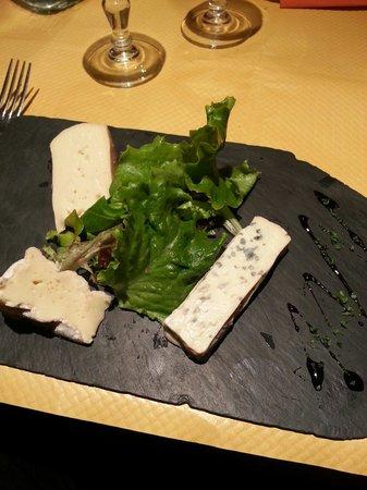 Le Petit Marché : Le plateau de fromages.