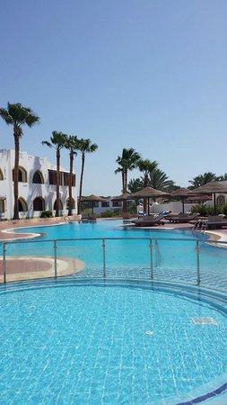 Domina Coral Bay Prestige Hotel: Second pool