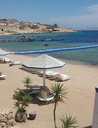 Domina Coral Bay Prestige Hotel: Prestige private beach