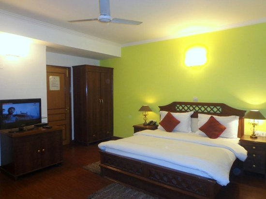 Ambica Palace: Super DLX Room