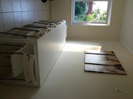 Doris Apartments: 16