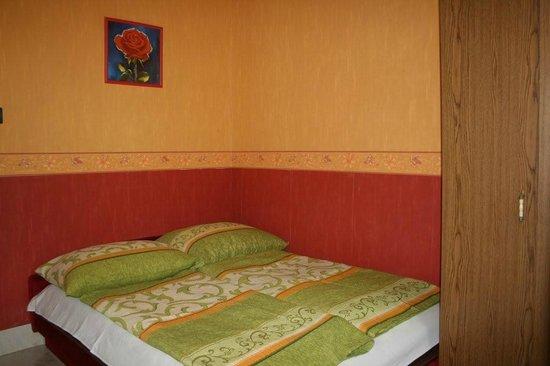 Doris Apartments: 15