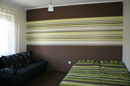 Doris Apartments: 17
