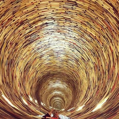 Personal Prague Guide : Tower of books