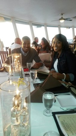 Spinners Rooftop Revolving Bistro & Lounge : My son and his fiancé enjoyed the atmosphere and food A+for there anniversary. ..