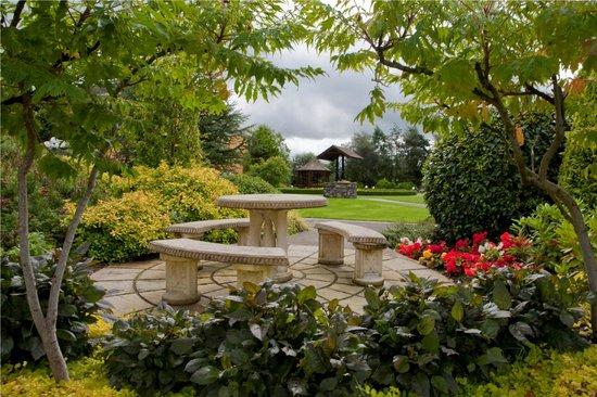 Carrickdale Hotel : Spectacular Gardens
