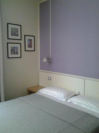 Key Hotel : dettaglio stanza da letto 1