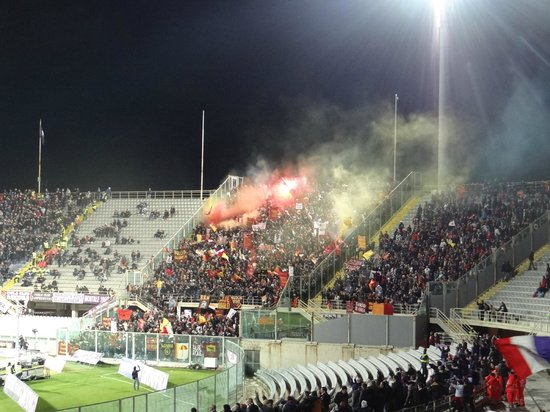 Stadio Artemio Franchi: supporter romains