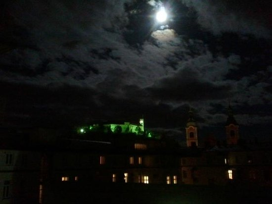 Grand Hotel Union Business: View from my room by night: Romantic!