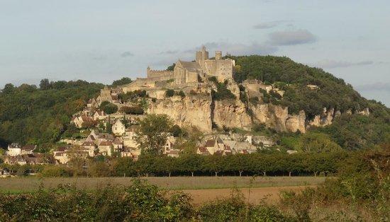 Château de Beynac : Вид на замок с другого берега Дордони