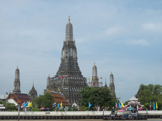 Wat Arun Bangkok - Picture of Temple of Dawn (Wat Arun ...