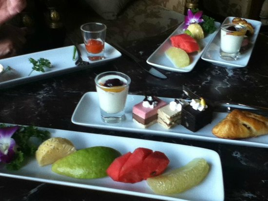Hotel Majestic Saigon : Afternoon tea