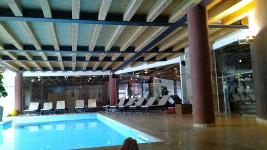 Hotel Veronesi La Torre: Piscina salata e zona relax