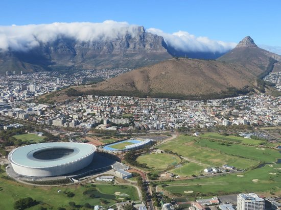 Blue Monkey Tours - Day Tours: The majestic Table Mt with Signal Hill