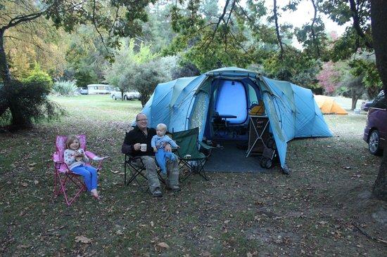 Lake Hawea Holiday Park: Where we set up camp!