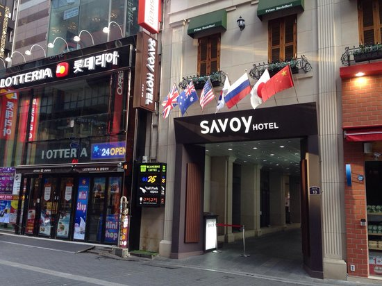 Savoy Hotel Seoul : Hotel right outside myeongdong in front of uniqlo and Saem
