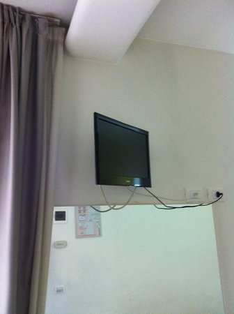 Hotel Mondial: LCD TV what you cant watch from the bed cause of the bad angle