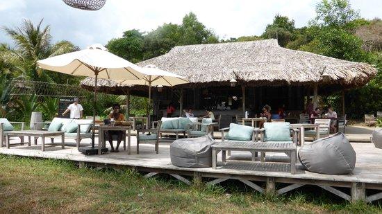 Mango Bay Resort: The beach bar