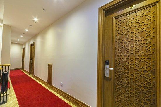 Hotel Spectra: Hallway