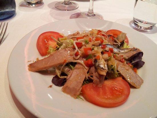 Gorbea : Tonfisksallad med ansjovis