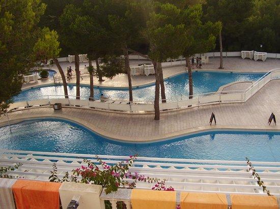 Iberostar Club Cala Barca: Zona piscinas