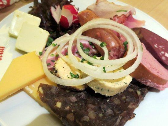 Früh am Dom: Mix sausages