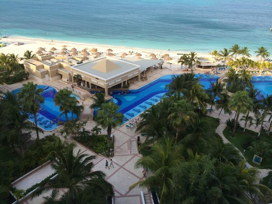 Hotel Riu Caribe: view from balcony