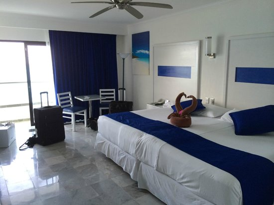 Hotel Riu Caribe: our room
