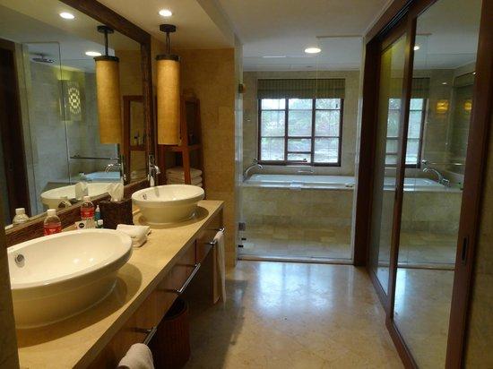 Grand Hyatt Bali: badkamer