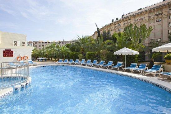 Prince Park Hotel: piscina