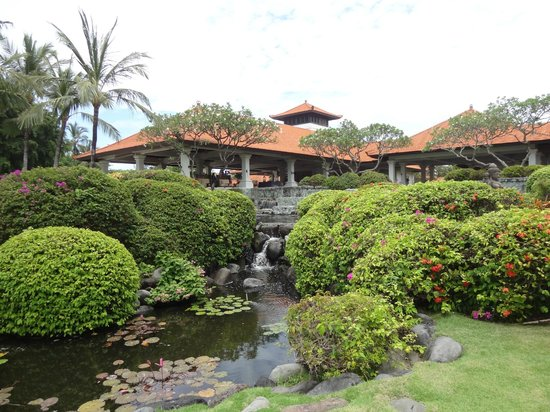 Grand Hyatt Bali: zicht naar de lobby