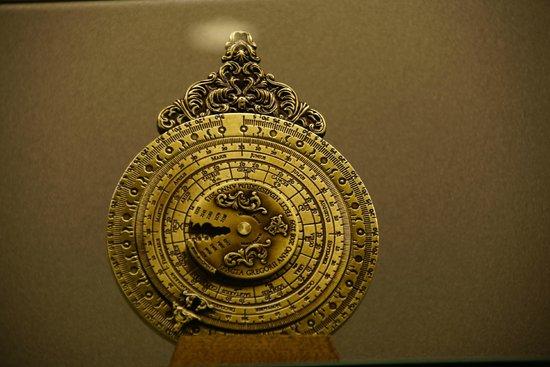 Musee des Arts et Metiers: Navy compass