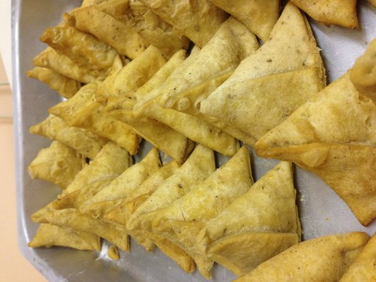 Sanskruti Restaurant: Samosas are ready