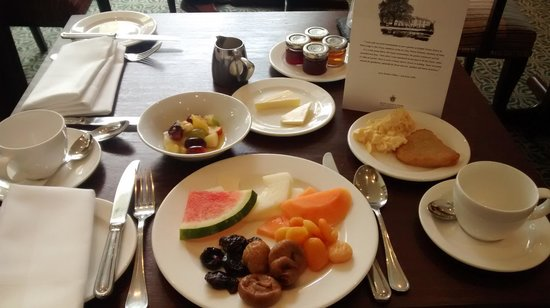 West Lodge Park Hotel: My Breakfast Table..
