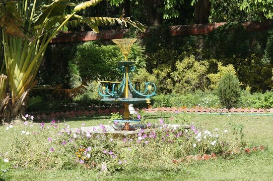 Garden of the Maidens (Sahelion Ki Bari): Garden