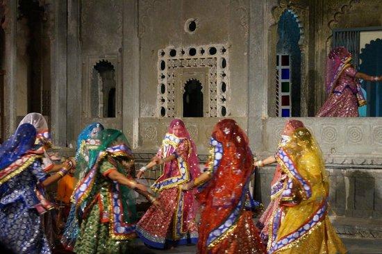 Bharatiya Lok Kala Mandal: Dance