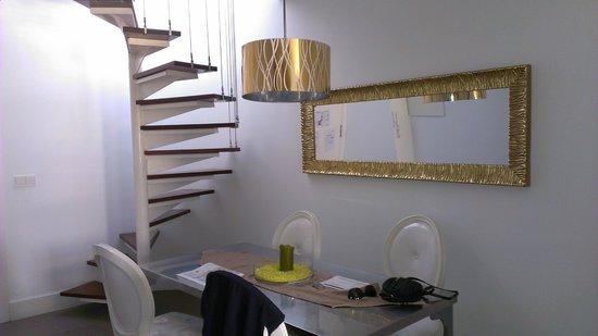 Infantes Singular Apartments: Hall Golden