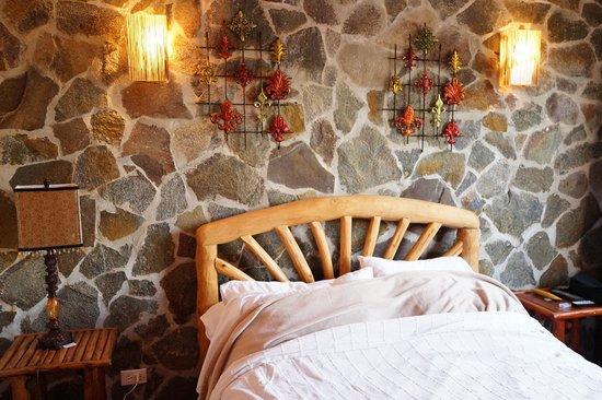 Anton Valley Hotel : Bett