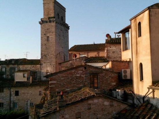 Fabio Apartments San Gimignano: Parte del panorama dalla finestra del soggiorno