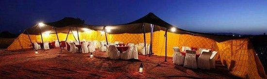 Moda Camp Merzouga : Moroccojourneytours on daroi ou desert byuthefil