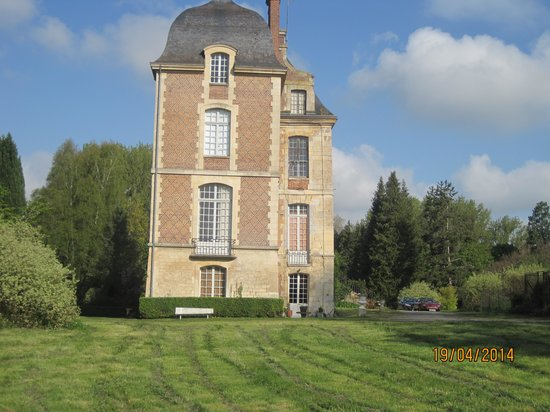 Fosseuse, France : Chateau