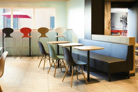Ibis Orly Chevilly Tram 7 : Breakfast room