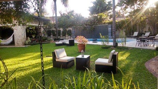 Las Lomas Casa Hotel: Beautiful calming courtyard