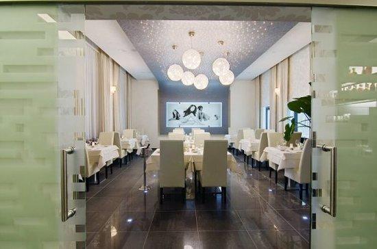 Angels Restaurant & Bar : restaurant